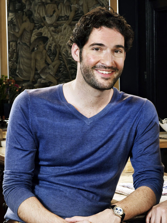 Tom Ellis en Miranda