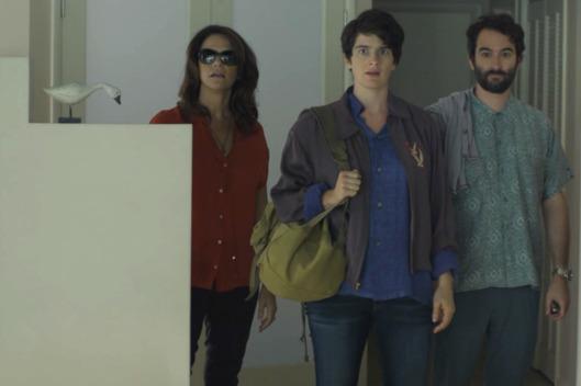 Amy Landecker, Gaby Hoffman y Jay Duplass en la primera temporada de Transparent