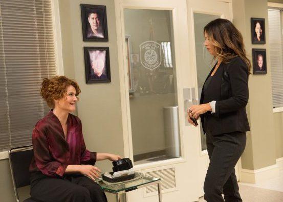 Rebecca Wisocky y Ana Ortiz en la cuarta temporada de Criadas y Malvadas